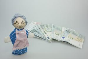 Co się dzieje z pieniędzmi?